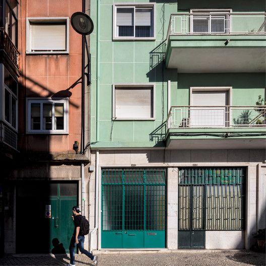 Garage House,© Fernando Guerra   FG+SG