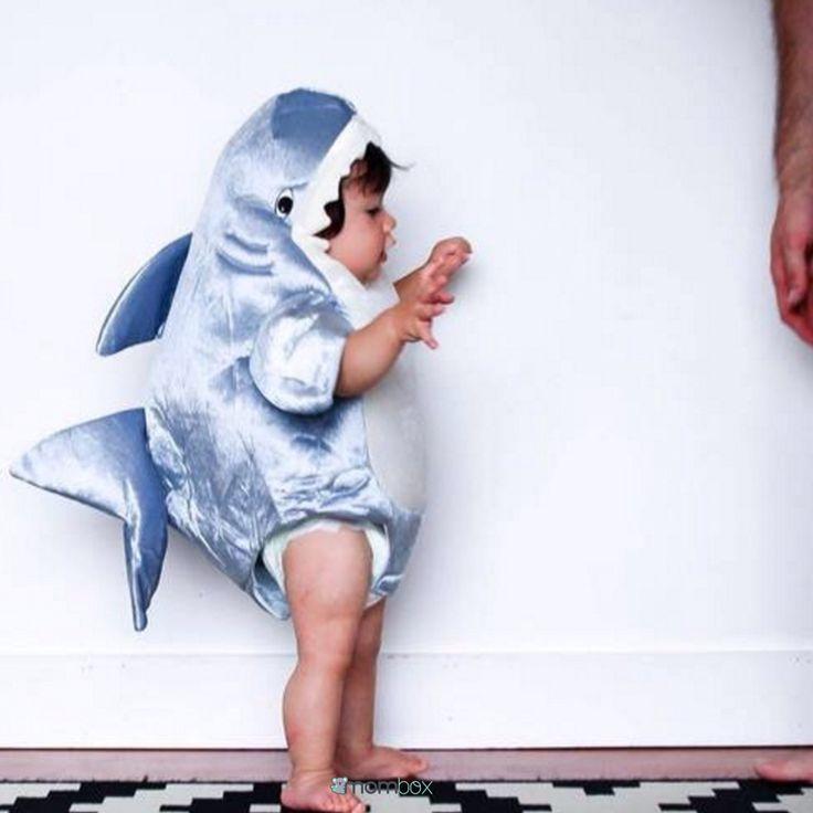 ¡¡¡Ayyy que sustoo hay un tiburón en casa!!!  #mombox #baby #cute #MiBebeEsElMasLindoDelMundo