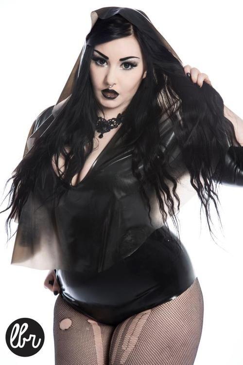 sexy-gothic-women-bbw