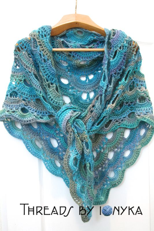 German Scalloped Triangle Shawl - click to get link to pattern I used!