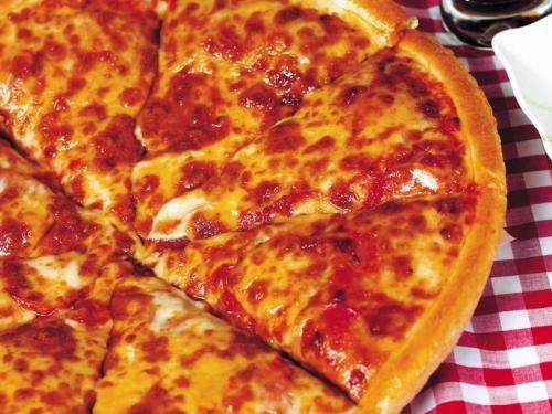 Daddy Cool!: Αφρατη Πίτσα ολοιδια με pizza hut