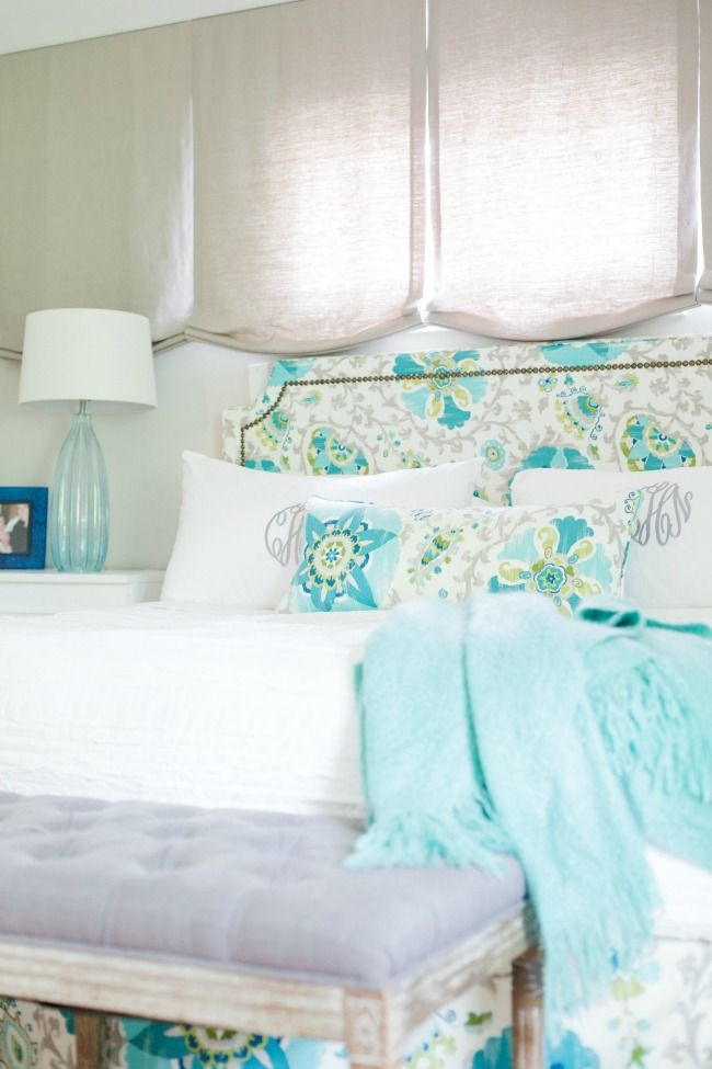 I'm always perusing Pinterest for the most dreamy bedrooms for inspiration. Now I have one to add to the list. Sea inspired turquoise colors, gorgeous!