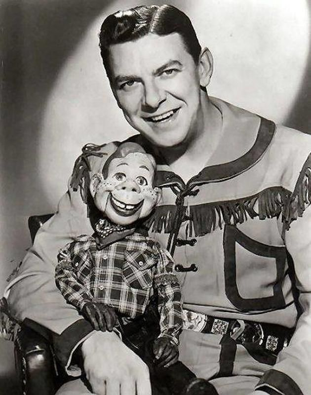 "Howdy Doody and Buffalo Bob from ""The Howdy Doody Present,"" which aired on TV from …"