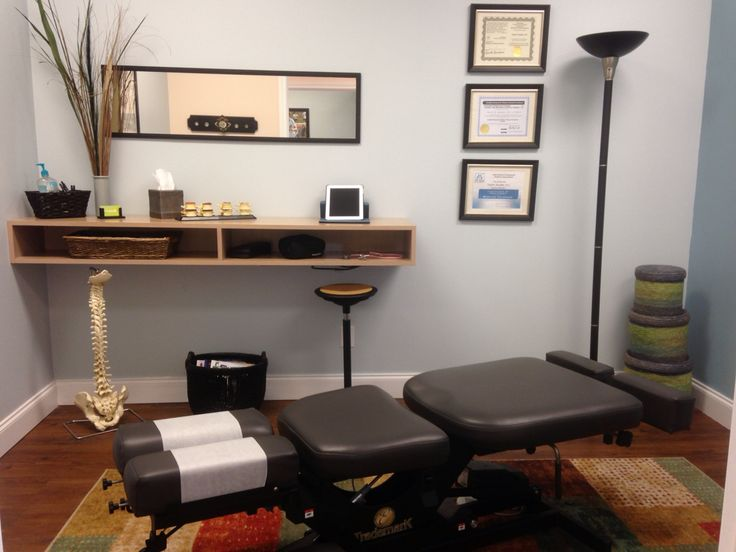 chiropractic adjusting room