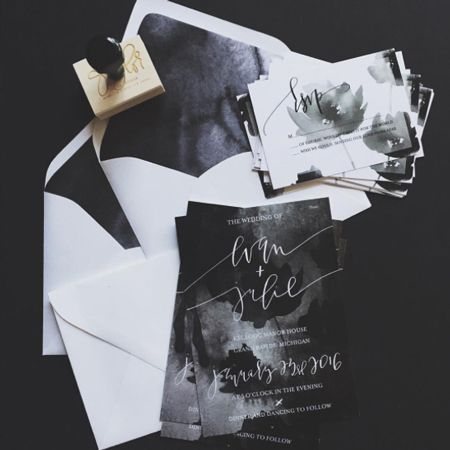 WedLuxe – InstaLove: #WedLuxeTrending Black & White | @afabulousfete Follow @WedLuxe for more wedding inspiration!