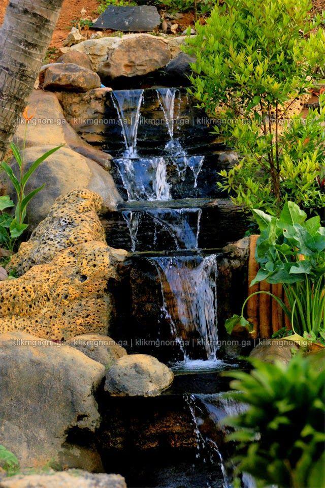 Percik Air di Taman Buatan | Foto Oleh klikmgnom.ga ( Momom 11th )
