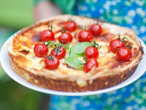 Tomaat- mozzarella- kruidentaart - Libelle Lekker!