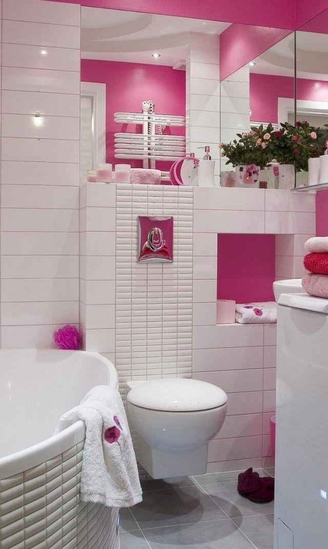 Kleines Bad Badewanne Weiße Fliesen Rosa Wandfarbe Spiegel Optische  Vergrößerung