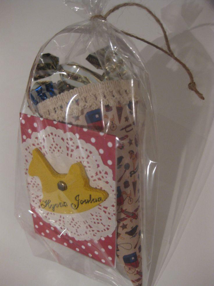 Joululahja päiväkodin tädeille. Candycone and card made of Salt Dough.