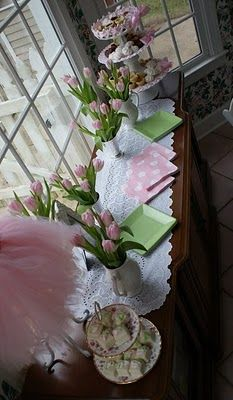 Can you find tulips  for a January party? Great color theme. Stylish Childrens Parties: Ballet Birthday Party