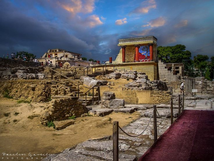 The Palace of Minos at Knossos | PHOTOinPHOTO