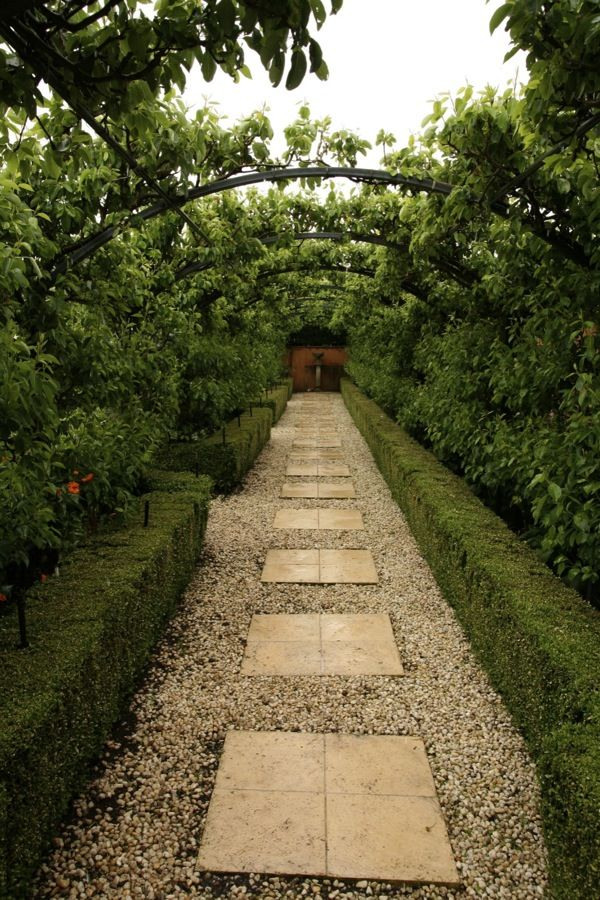 Archways | GardenDrum  Design Paul Bangay