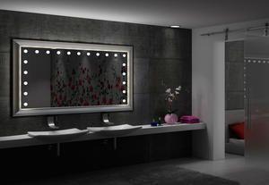 Per Cantoni lo specchio moderno è illuminato e di design