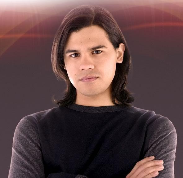 Carlos Valdes plays Cisco Ramon on The Flash