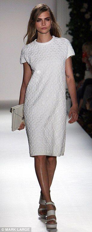 Mulberry LFW Cara Delevigne - Elegant: A chic dress embellished with matte paillettes
