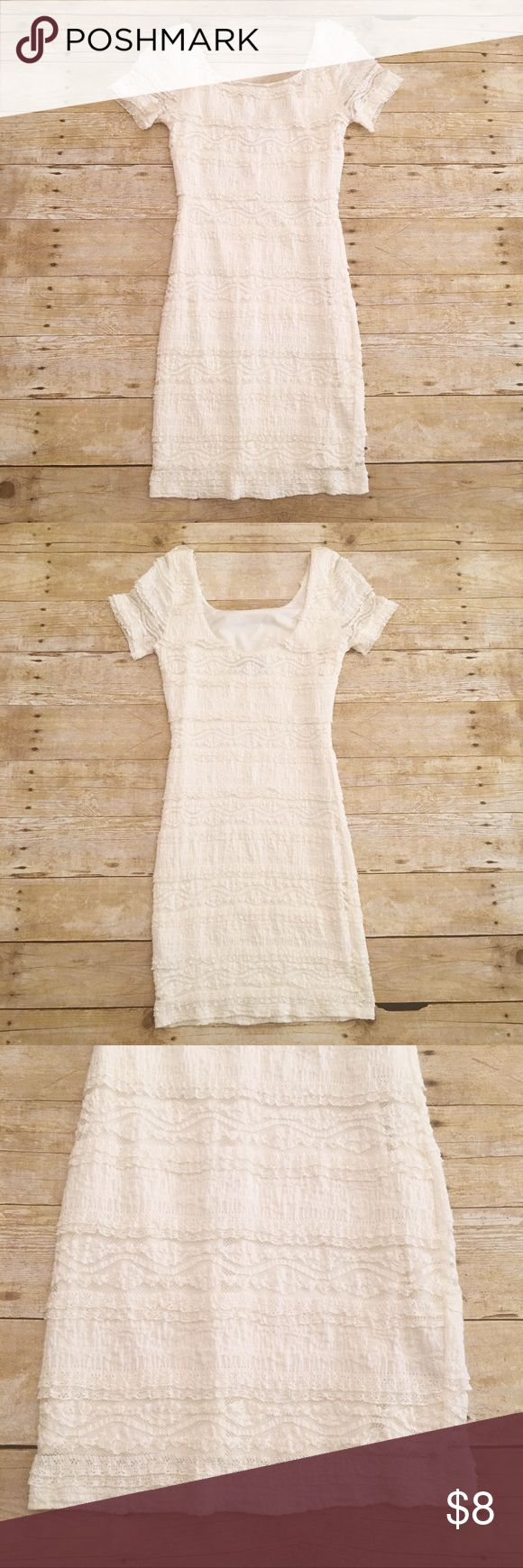 Off white lace Forever 21 body con dress, SP Very good condition off white lace dress by forever 21. Size small petite. Very pretty! Would look amazing with those red high heels! Approximately 33 inches in length with a bust of approximately 14 inches. Forever 21 Dresses Midi