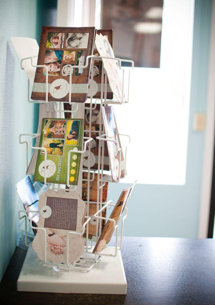 comic/art book holder