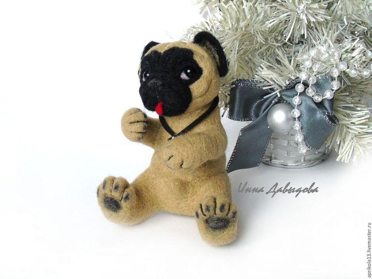 Купить Валяная игрушка собака Мопс Помпей. Игрушка из шерсти. - бежевый, черный, мопс, Мопсы