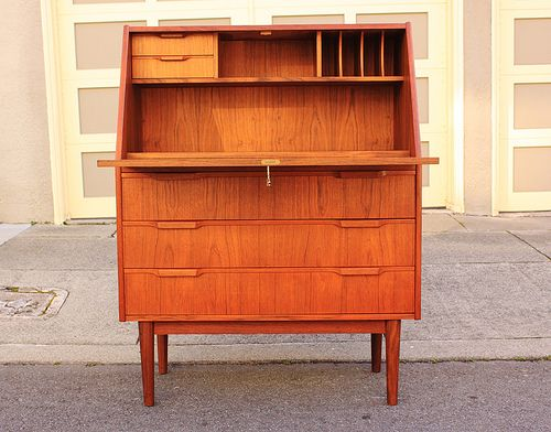 best 25 mid century desk ideas on pinterest retro desk. Black Bedroom Furniture Sets. Home Design Ideas