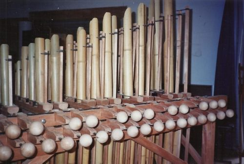 Angklungs organ by Robert Hebrard #rareandstrangeinstruments #instruments #music