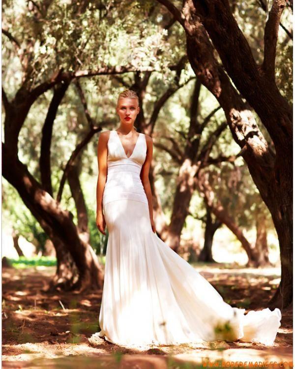 Robe sirène col en v décorée de ruches robe de mariée 2011
