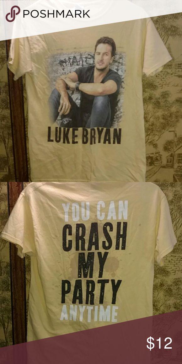 Luke Bryan T-shirt This is a Luke Bryan T-shirt. I'm not sure where I got it but its still a really cool shirt!! Never been worn though. Offers plz! Gildan Tops Tees - Short Sleeve