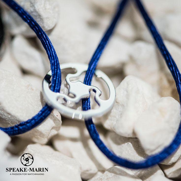 Speake-Marin logo caught on a bracelet!