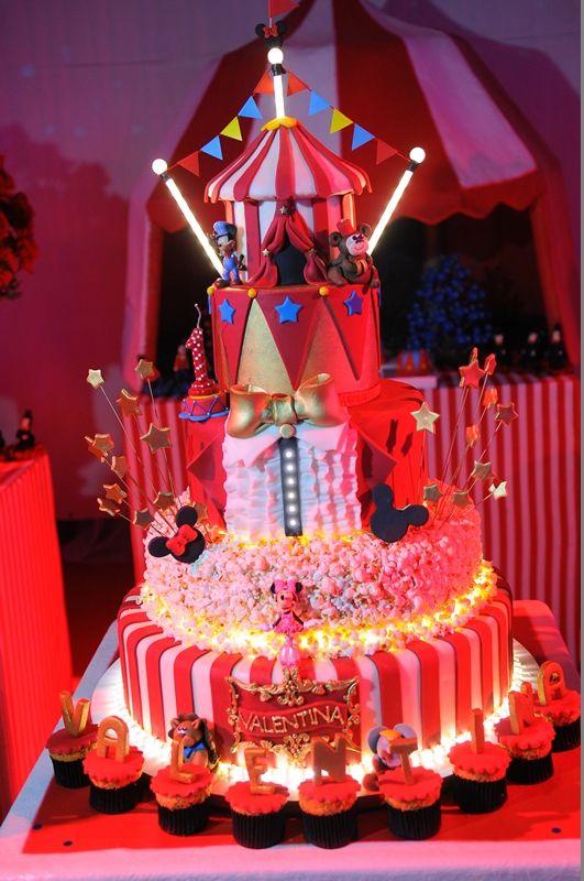 Bolo | Cake | Bolo para Festa Infantil | Bolo Decorado | Festa Infantil | Bolo divertido | Festa Infantil | Grand Circus da Disney | Bolo temático