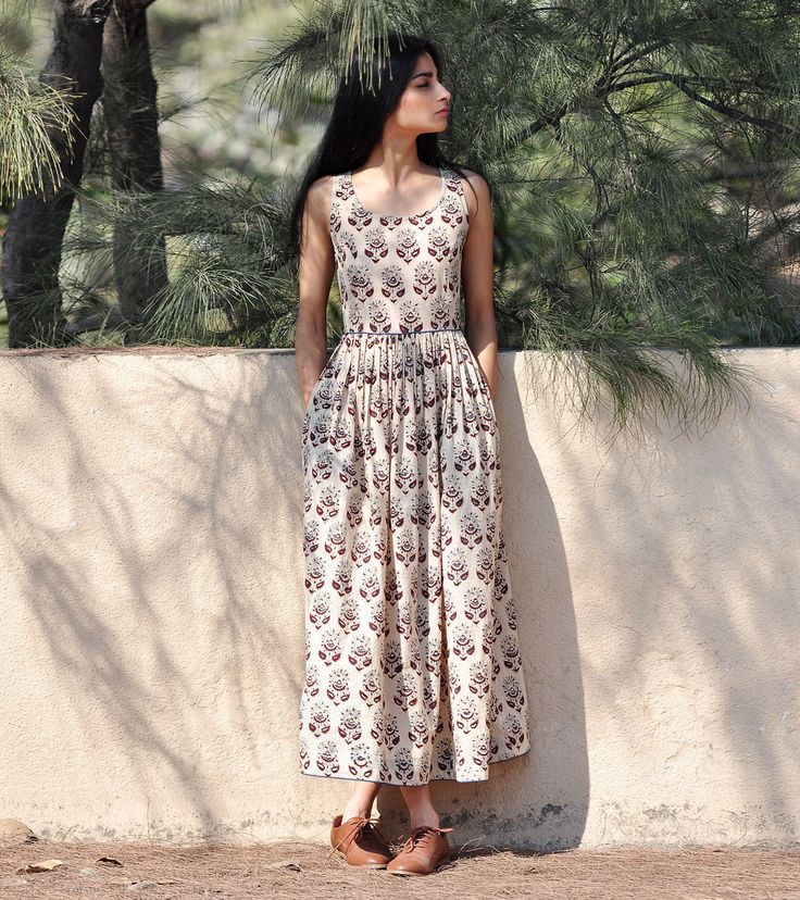 Paisley print fit and flare maxi