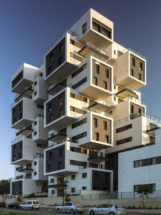 22 Haganim st. Ramat Ha'sharon / Bar Orian Architects | ArchDaily