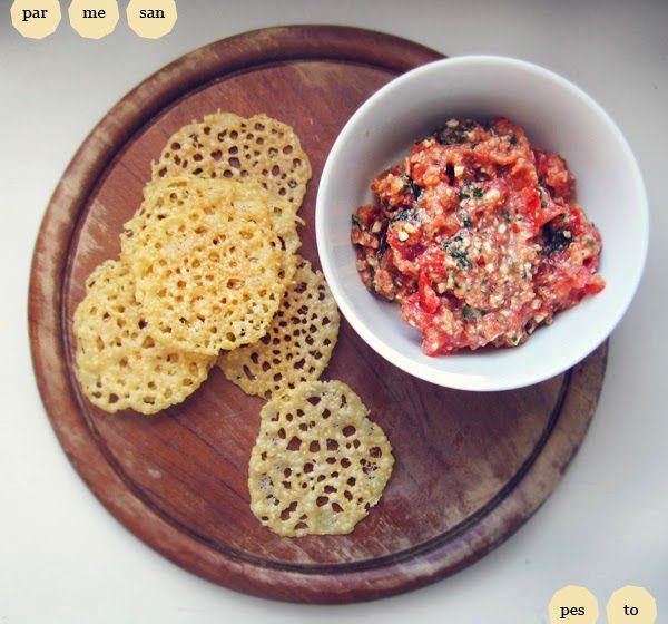 Parmesaani-keksien kohdalla ei tarvitse erikseen kirjoittaa kauppalistaa, kekseihin kun tulee vain yhtä raaka-ainetta – parmesaania. He...