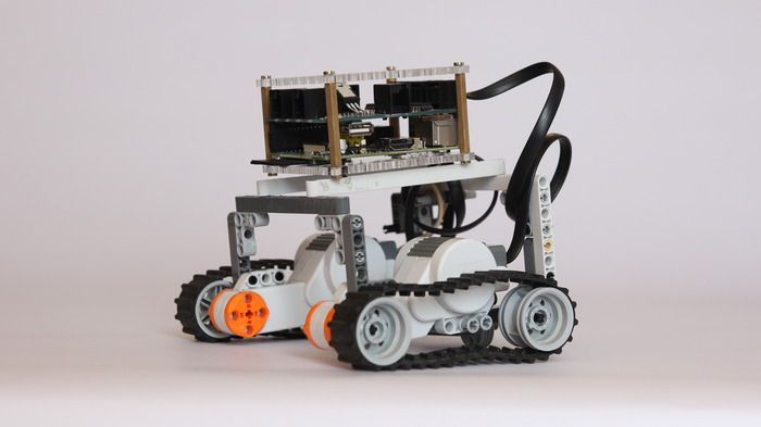 Raspberry Pi add-on will help you build Lego Mindstorm robots | Ars Technica