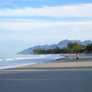Pantai Cenang Beach in Langkawi, Malaysia. Visit searchingformore.blog for more info.