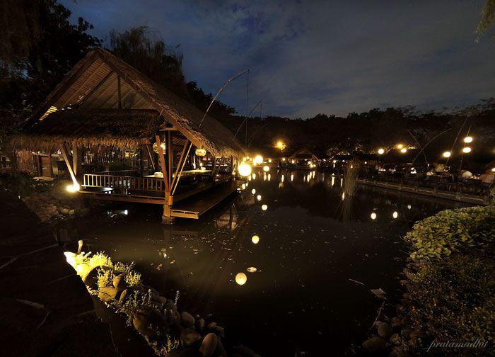 One of the best family trip spot in Jakarta http://dongengtravel.com #family #familytrip #bestspot #familytime #familygathering