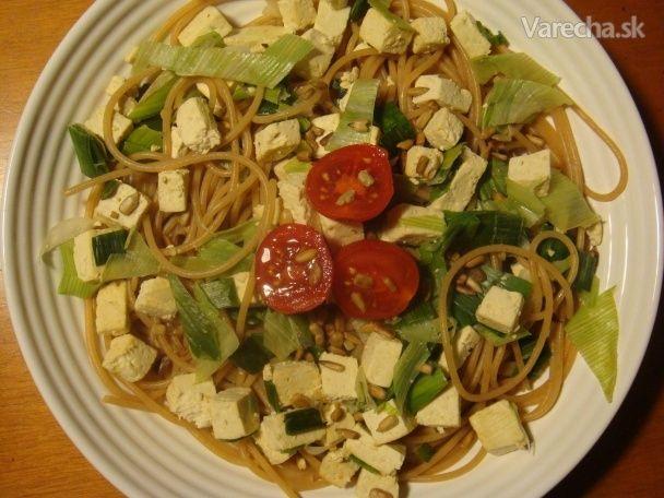 Špagety s pórovým tofu