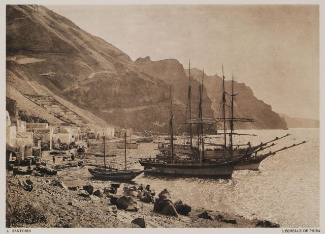 Fira port, Santorini. 1919 - BAUD-BOVY, Daniel / BOISSONNAS, Frédéric - TRAVELLERS' VIEWS - Places – Monuments – People Southeastern Europe – Eastern Mediterranean – Greece – Asia Minor – Southern Italy, 15th -20th century