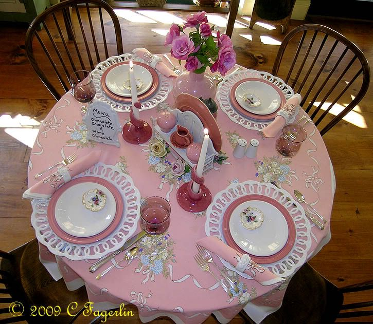 http://i236.photobucket.com/albums/ff230/peppercorn99/Little%20Round%20Table/090509metloxpink1.jpg
