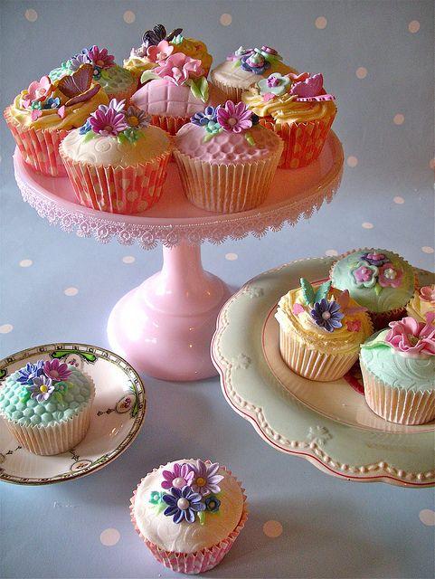Fairycakes by nice icing, via Flickr