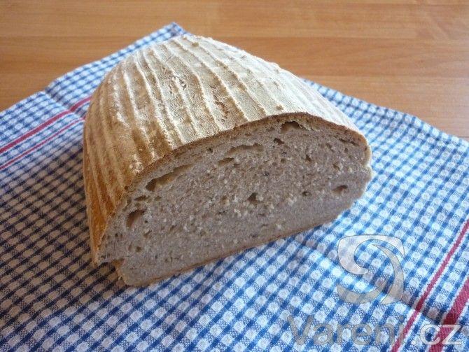Recept na chléb, který je krásně nadýchaný i bez použití kvasnic.