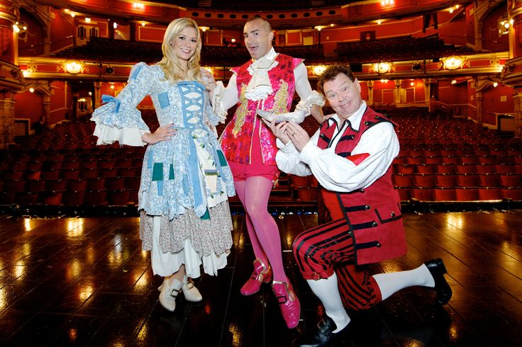 Louie, Suzanne and Andy on stage at the Bristol hippodrome  #louiespence #suzanneshaw #andyford #cinderella #pantomime #bristol #bristolhippodrome