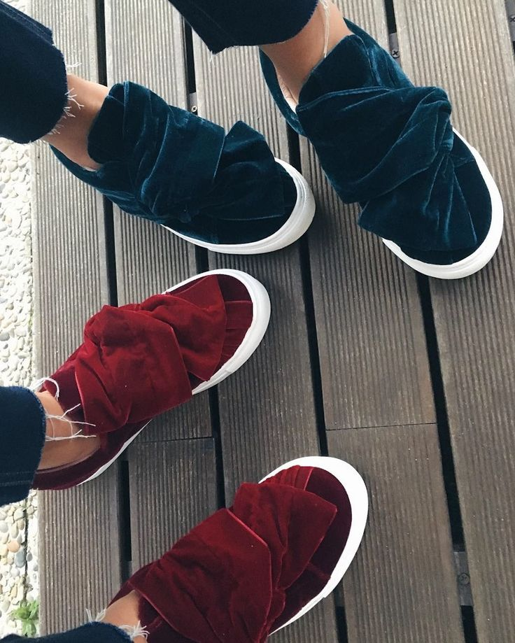 Josefinas Dream Big sneakers: handmade in blue and red velvet! Which ones are your favorites? #JosefinasPortugal