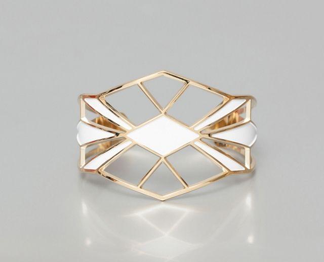 Manchette en laiton doré et laque blanche style Art Deco - Bijoux: Anne Thomas - La Fiancée du Panda blog Mariage et Lifestyle