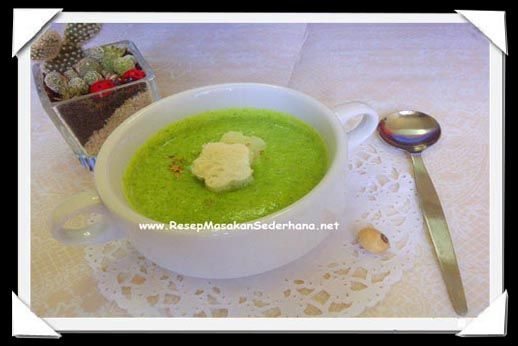 Resep sup - Broccoli soup  Bahan : • Brokoli ( sesegar mungkin ) • Garam • Lada Hitam • Air • Minyak Zaitun  Bahan utk hiasan : • Goat Cheese / keju kambing • Kenari  Video Cara Masak : http://www.youtube.com/watch?v=2KR44a_5v_A  NB : website (http://ResepMasakanSederhana.net/) kami dalam proses pembuatan  #resep#masakan#sederhana#unik#unique#enak#recipes#food#brokoli#pepper#salt#Kenari#oliveoil#cheese#soup#sup