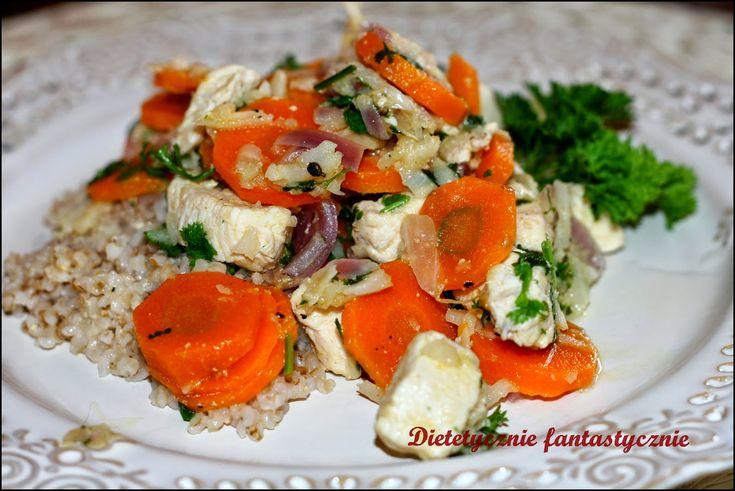 dietetycznie fantastycznie: Gulasz z indyka (kurczaka) z warzywami i kaszą jęc...