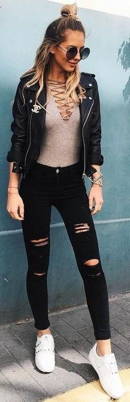 love this edgy winter outfit!