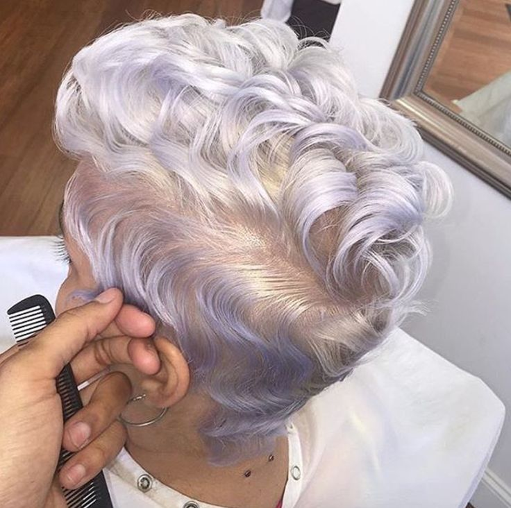 Dope @_snobbqueen  Read the article here - http://www.blackhairinformation.com/hairstyle-gallery/dope-_snobbqueen/