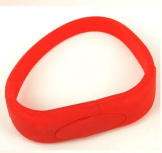 Promotional USB silicon wristbands. Engraved or Printed