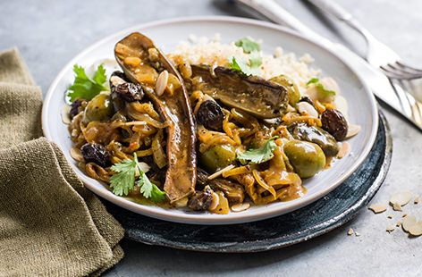 With green olives, preserved lemon & harrisa, this vegetarian aubergine tagine is the ideal warming dinner. See this slow cooker recipe at Tesco Real Food.