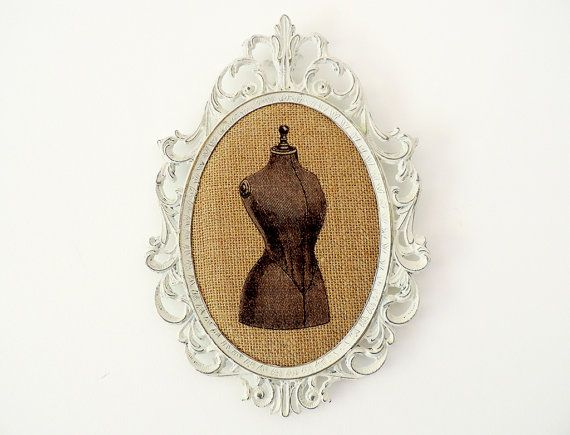 Oval Metal Frame Shabby Chic Burlap Upcycled with di LeShabbyChat, €30.00