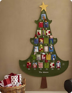 Pottery Barn knock-off Christmas advent calendar sew along. Thinking of doing this!